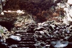 tiefer in der Lavahöhle